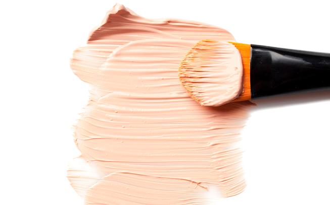 Base de maquilhagem: saiba qual é a melhor para o seu tipo de pele