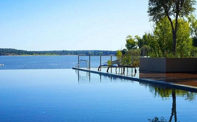 6 infinity pools para dar ir um mergulho neste verão