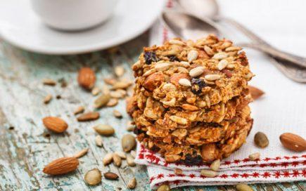 Faça estas bolachas de frutos secos com manteiga de amendoim