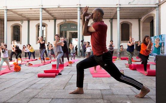 aula de ioga com jean pierre de oliveira