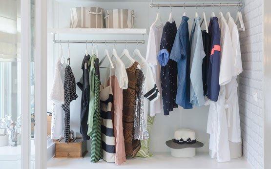 armário arrumado