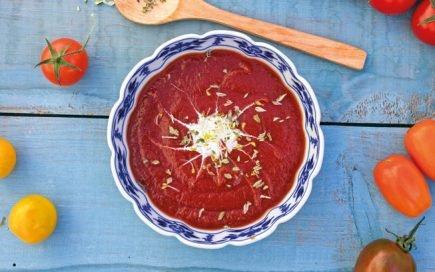 Substitua o ketchup por esta pasta de tomate probiótica