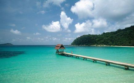 Malásia: o país das três culturas com praias, templos e florestas