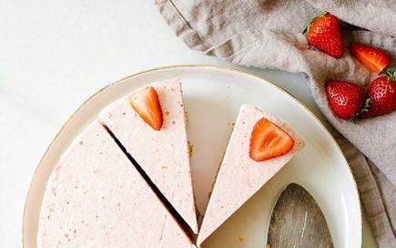 Esta tarte gelada de morango é a sobremesa para os mais gulosos