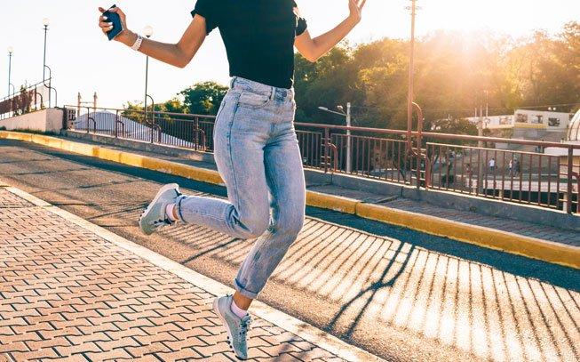 Como Usar Mom Jeans!!! | Curvy jeans, Calça jeans para