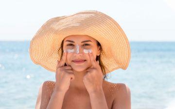 Protetor solar: tudo o que precisa de saber sobre o produto indispensável do verão