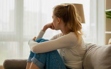 O que causa um aborto espontâneo e quais os sintomas?