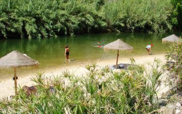 10 praias fluviais em Portugal imperdíveis para os dias quentes