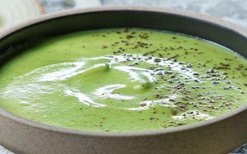 Sopa de curgete com requeijão: uma opção cremosa e original