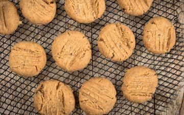 Bolachas de manteiga de amendoim saudáveis e saborosas