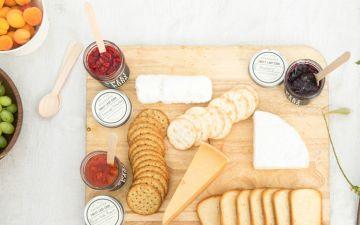Como servir uma tábua de queijos em 4 passos