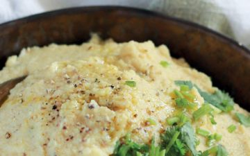 Puré de couve-flor e alho assado, uma receita fácil, rápida e cremosa
