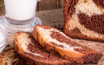 O clássico bolo mármore, uma receita que nunca passa de moda