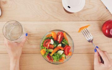 5 dicas para ser mais saudável se passa o dia sentada à secretária