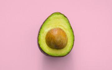 Abacate: o fruto instagramável que faz bem ao coração