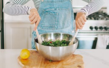 15 hábitos (maus) a eliminar já da sua cozinha