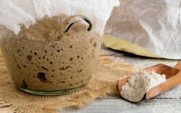 Faça fermento em casa com apenas dois ingredientes