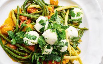 Sacie a sua necessidade de verdes com esta salada de feijão picante