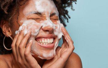 Double cleansing: o que falta para se render a esta técnica de beleza?