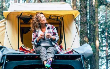 O que levar para o campismo? Reunimos os essenciais para acampar na Natureza
