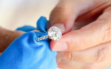 5 dicas para limpar as suas joias (e brilharem mais do que nunca)