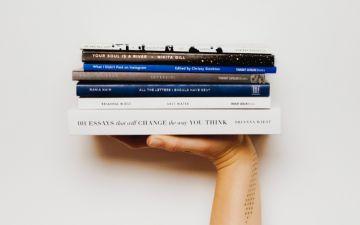 Clube de leitura: 10 celebridades a seguir se gosta de ler