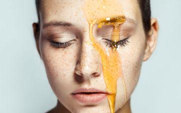 Sabia que o mel também é bom para a pele?