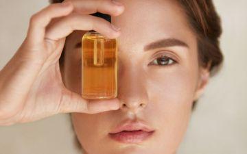 Gota a gota, descubra os benefícios dos óleos faciais