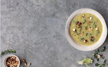 Creme de brócolos e avelãs: a sopa aconchegante para os dias frios
