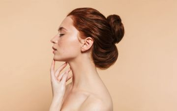 A sua pele não precisa de muito para ser saudável. Faça o quiz e descubra uma rotina simples e eficaz