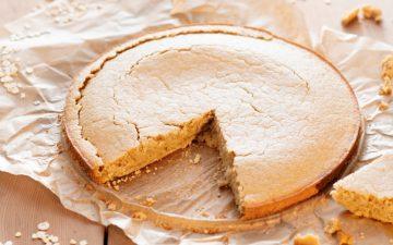 Procura um doce saudável? Experimente este bolo de aveia