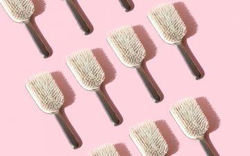 Que tipo de escova de cabelo costuma usar? Saiba qual é a mais indicada para si
