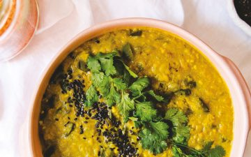 Faça um estufado de lentilhas exótico com laranja e coco
