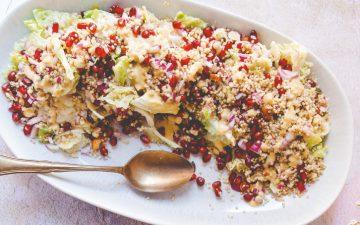 Salada de quinoa com romã e couve portuguesa para um almoço light