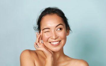 Combata as manchas da pele com os produtos certos (desde as brancas, às mais escuras)