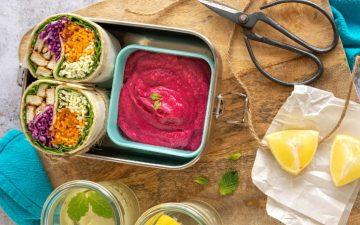 Prepare a marmita e leve estes wraps coloridos com pasta de beterraba