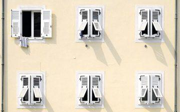 Truques para manter a casa fresca nos dias mais quentes de verão